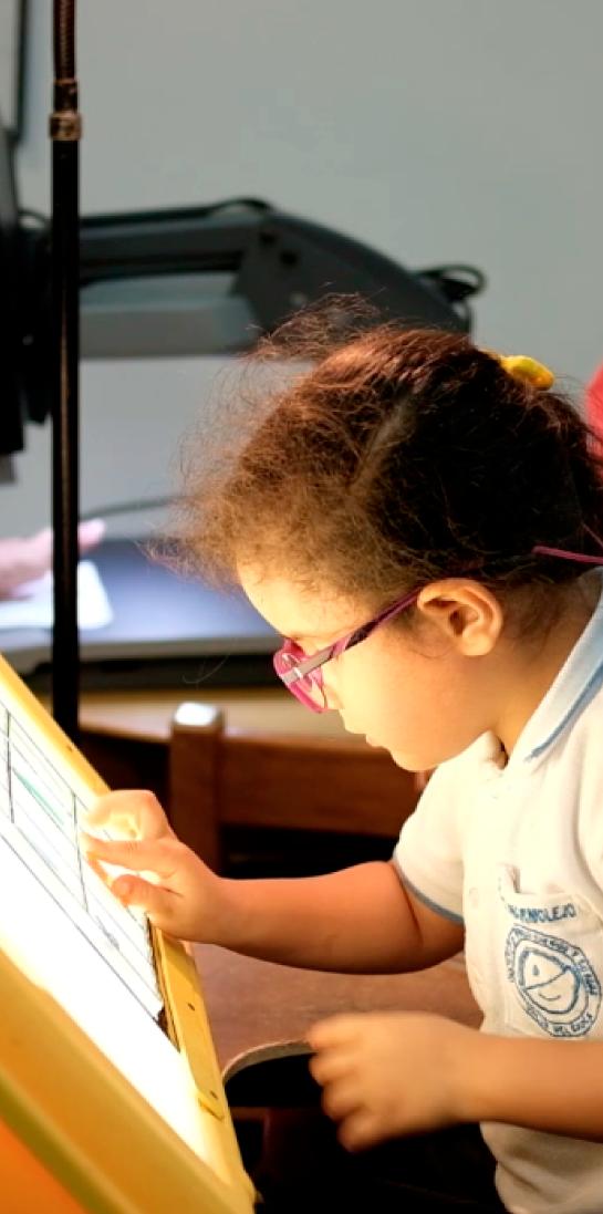Niños con discapacidad visual y auditiva - Unidad de rehabilitación del Instituto para niños ciegos y sordos del Valle del Cauca